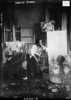 1913, Francis Picabia dans son studio