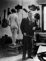 1928, André Derain dans son atelier