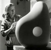 1958, Barbara Hepworth : Trewyn Studio, à St Ives (© Bowness)