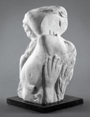 1964, Marc Chagall : Deux têtes à la main ou Deux têtes, une main, marbre