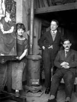 1920, Valadon, Utter et Utrillo autour du poêle dans l'atelier, rue Cortot