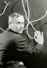 1930, Man Ray : Portrait de Joan Miró