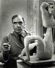Henri Laurens dans son atelier