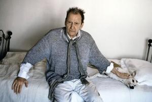 2008 : Lucian Freud sur son lit avec Eli (photo Koos Breukel)